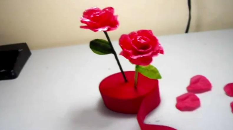 Rosas de manualidades imagui for Manualidades con papel crepe
